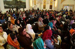 انتقادها از حضور اندک زنان در پستهای کلیدی ادارههای دولتی