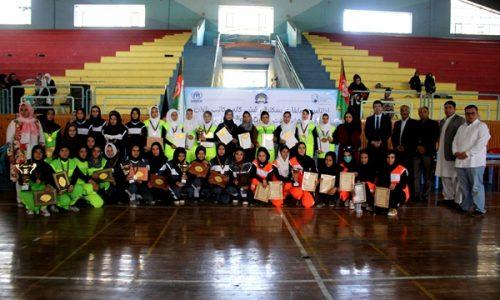 شکایت از نبود میدان فوتبال در مکاتب دخترانه