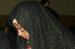 دختری که تلاش میکند تا فقر، چراغ زندگی را خاموش نکند