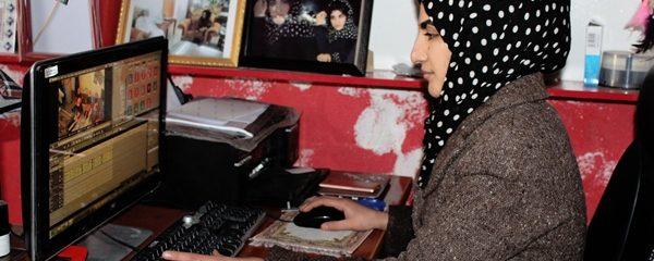 فرحناز؛ تنها بانویی که با ایجاد آتلیه به زنان کمک میکند