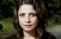 لولیتا لِشاناکو، شاعری در جستوجوی آزادی