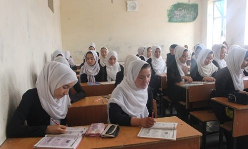 شکایت دانشآموزان دختر از نبود لوازم بهداشتی در مکتبها
