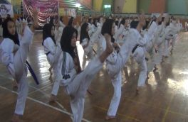 دختران ورزشکار برای صلح مبارزه میکنند