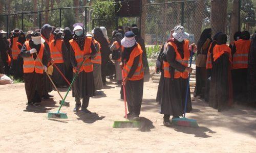 یک تیر دو نشان؛ استخدام زنان در تنظیف شهر و کسب استقلالیت مالی