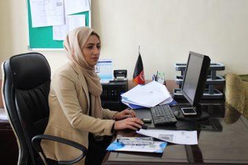 وحیده عزیزی؛ برنده جایزه زن قهرمان افغانستان