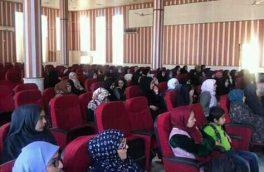 بیش از ۱۰۰ زن در هرات در سه دور آموزشی جواز رانندهگی دریافت کردند