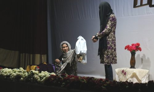 شش دختر «از سرزمین خورشید» خشونتهای پنهان در پستوی خانهها را نمایش میدهند