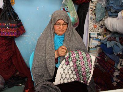 تصاویری از هنر دستی زنان جاغوری