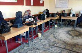 آموزگاران در هرات برای رسیدگی به خواستههای شان اعتصاب کردند
