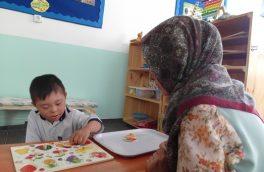 اقدامی متفاوت؛ دخترانی که از کودکان اوتسیمی نگهداری میکنند