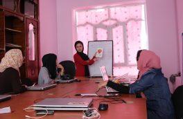 نخستین جلسۀ کتابخوانی در خبرگزاری بانوان افغانستان برگزار شد