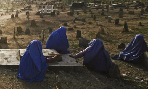 بیوههای نیروهای امنیتی با آرامش بیگانهاند