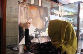 زنانی که با نقاشی خشونت علیه زنان را انعکاس میدهند