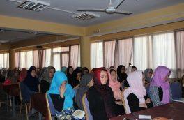 برگزاری دورههای آموزشی فن سخنرانی و کامپیوتر، در خوابگاه دخترانۀ دانشگاه هرات
