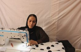 خیاطی حرفهی که به بهبود زندگی زنان کمک میکند