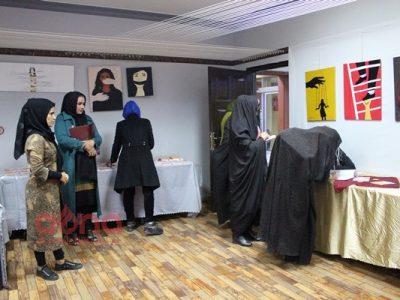 برگزاری نمایشگاه نقاشی به مناسبت ۲۵ نوامبر