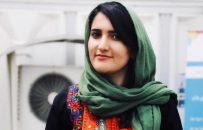 زن افغانستانی و تلاش برای زیباشدن